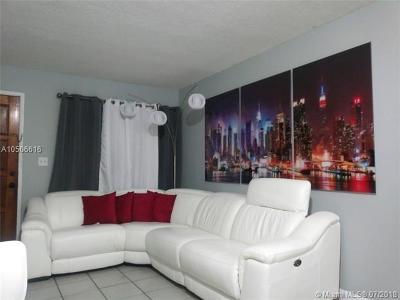 Hialeah Condo For Sale: 2740 W 63rd St #107
