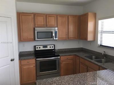 Miami Condo For Sale: 470 NE 194th Ter #470