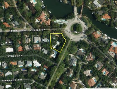 Coral Gables Single Family Home For Sale: 7000 Old Cutler Rd