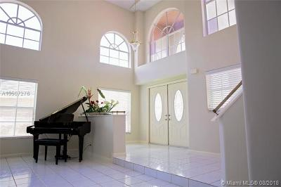 Pembroke Pines Single Family Home For Sale: 915 NW 197th Ave