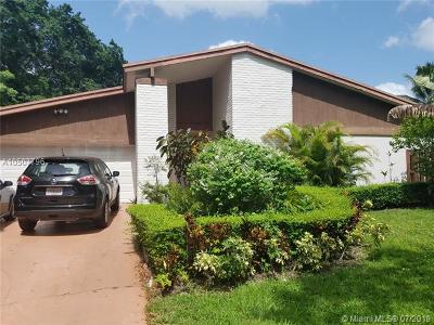 Miami FL Single Family Home For Sale: $373,000