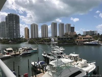400 Sunni Isles, 400 Sunny Isle Condo, 400 Sunny Isles, 400 Sunny Isles Beach, 400 Sunny Isles Condo, 400 Sunny Isles Condo Eas, 400 Sunny Isles Condo Wes, 400 Sunny Isles Condoeast, 400 Sunny Isles East, 400 Sunny Isles West, 400 Suny Isles Condo For Sale: 400 Sunny Isles Blvd #319