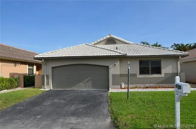 Broward County Single Family Home For Sale: 15120 Bristol Ln