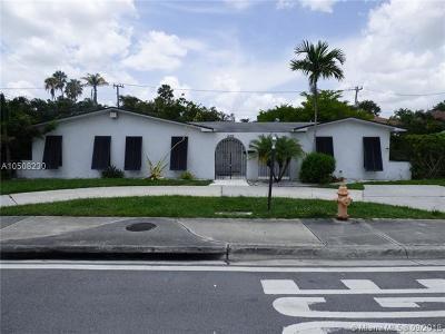 Miami Single Family Home For Sale: 20210 Highland Lakes Blvd