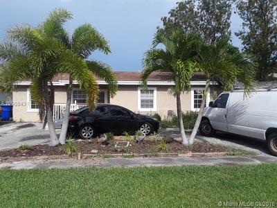 North Lauderdale Single Family Home For Sale: 423 SW 80th Ave