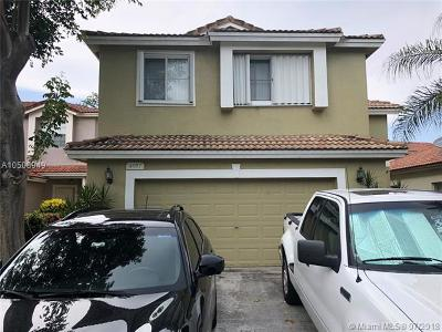 Coconut Creek Single Family Home For Sale: 4957 Pelican Mnr