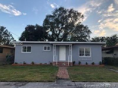 Miami Gardens Single Family Home For Sale: 1600 NW 153rd St