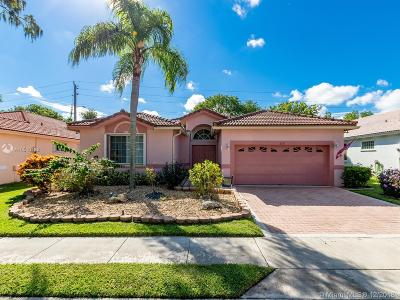 Tamarac Single Family Home For Sale: 8722 NW 75th Ct