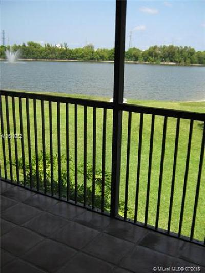 Deerfield Beach Condo For Sale: 206 Lincoln Ct #206