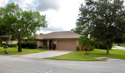 Coral Springs Single Family Home For Sale: 4005 NW 72nd Ave