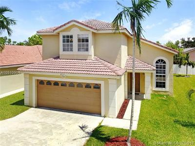 Pembroke Pines Single Family Home For Sale: 18315 NW 6th Ct