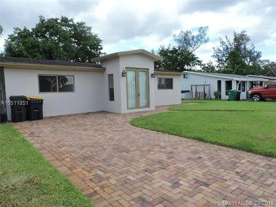 Dania Beach Single Family Home For Sale: 4510 SW 34th Ave