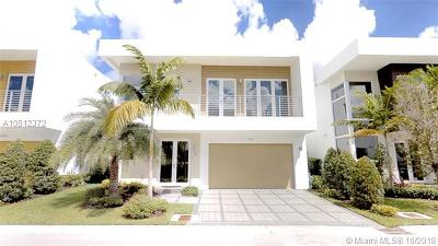 Doral Single Family Home For Sale: 9781 NW 75th Ter