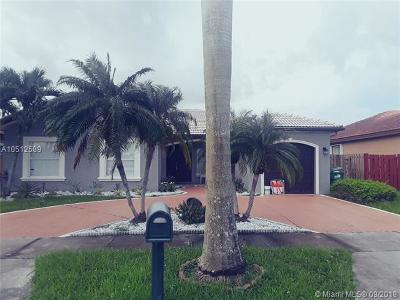 Miami Lakes Single Family Home For Sale: 8851 NW 166th Ter