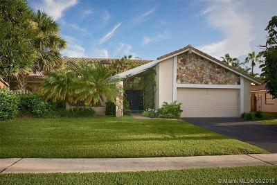 Plantation Single Family Home For Sale: 9931 NW 11th St