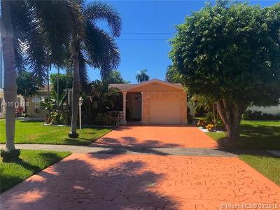 Hallandale Single Family Home For Sale: 1012 NE 8 St