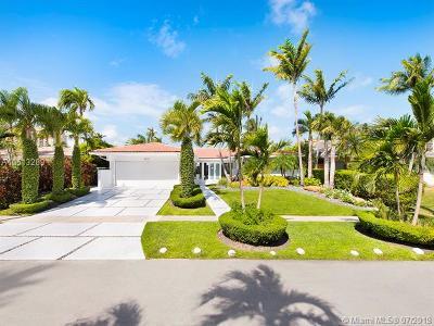 North Miami Single Family Home For Sale: 2375 Magnolia Dr