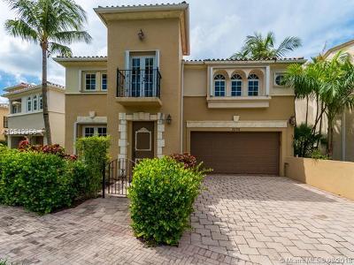 Aventura Single Family Home For Sale: 3175 NE 207th Ter