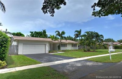 Plantation Single Family Home For Sale: 7141 SW 20th St