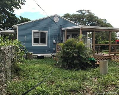 Dania Beach Single Family Home For Sale: 214 Sheridan St