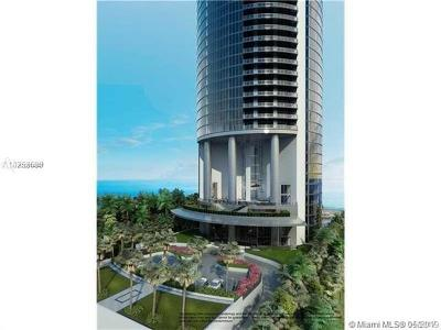 Miami-Dade County Condo For Sale: 18555 Collins Ave #4005