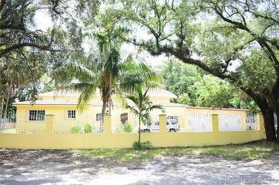 North Miami Single Family Home For Sale: 1650 NE 144th St