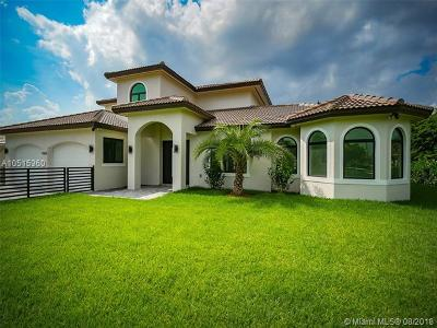 Doral Single Family Home For Sale: 9901 NW 27th Ter