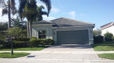 Weston Single Family Home For Sale: 1301 Banyan Way