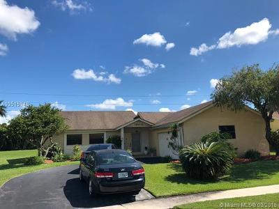 Weston Single Family Home For Sale: 16902 SW 5th Way
