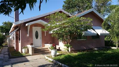 West Palm Beach Multi Family Home For Sale: 827 Briggs St