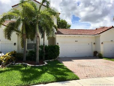 Sunset Lakes, Sunset Lakes Estates, Sunset Lakes One 164-34 B, Sunset Lakes Parcel D At, Sunset Lakes Plat One, Sunset Lakes Plat Three, Sunset Lakes Plat Three 1, Sunset Lakes Three, Sunset Lakes Two 166-24 B Condo For Sale: 2612 SW 187th Ter #2612