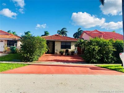 Hialeah Gardens Single Family Home For Sale: 8998 NW 116th St