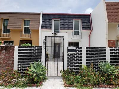 North Miami Condo For Sale: 13505 NE 23rd Ct