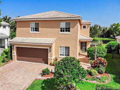 Pembroke Pines Single Family Home For Sale: 10585 SW 13th Ct