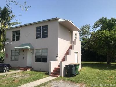 North Miami Multi Family Home For Sale: 860 NE 124th St