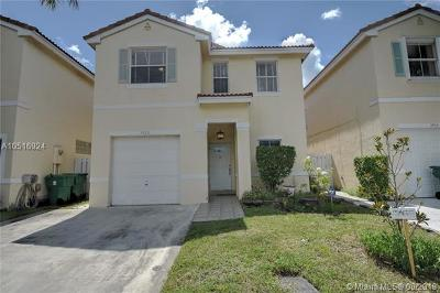 Cooper City Single Family Home For Sale: 3920 Tree Tops Rd