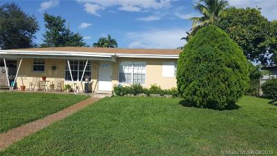 Plantation Single Family Home For Sale: 824 Pine Ridge Dr