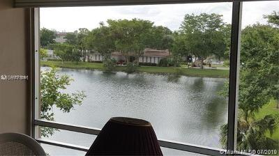 Lauderdale Lakes Condo For Sale: 3531 NW 50th Ave #601