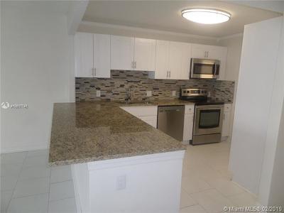Pompano Beach Condo For Sale: 3010 N Course Dr. #812