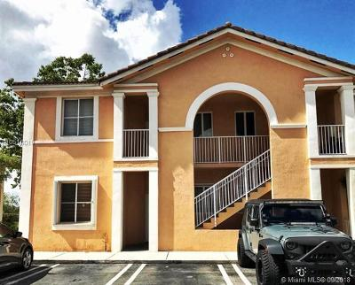 Hialeah Condo For Sale: 17600 NW 73rd Ave #200-6