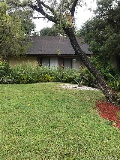 Plantation Single Family Home For Sale: 7810 NW 5th Pl