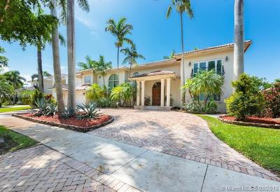 Miami Lakes Single Family Home For Sale: 8320 NW 157th Ter