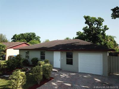 North Lauderdale Single Family Home For Sale: 8251 SW 7th Ct
