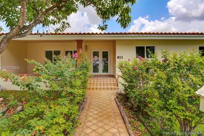 Coral Gables Single Family Home For Sale: 811 Trascoro Ave