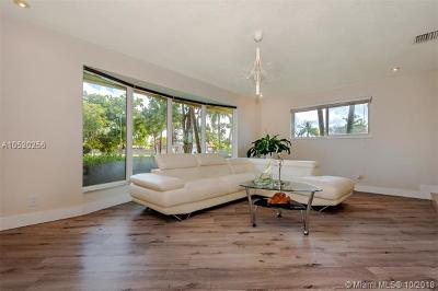 Hollywood Single Family Home For Sale: 4931 Harrison St