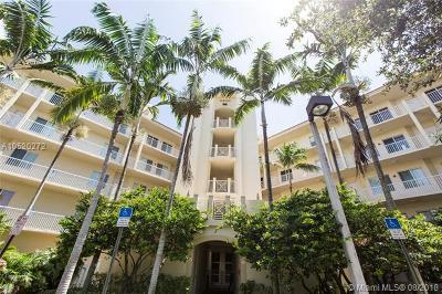 Pompano Beach Condo For Sale: 3600 Oaks Clubhouse Dr #408