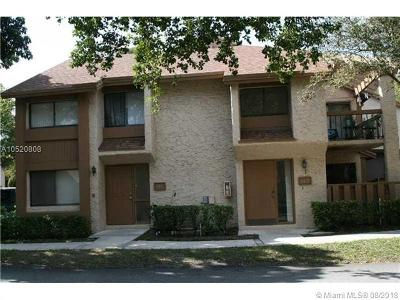 Plantation Condo For Sale: 165 Wimbledon Lakes Dr #23-146