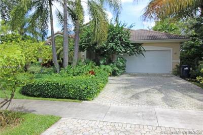 Miami Springs Single Family Home For Sale: 117 Glendale Dr