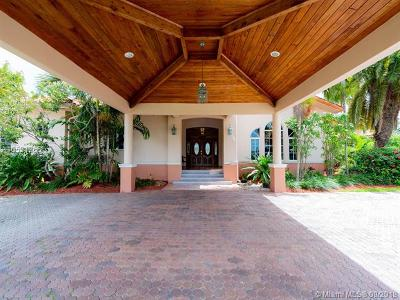 Miami-Dade County Single Family Home For Sale: 9700 SW 66th St