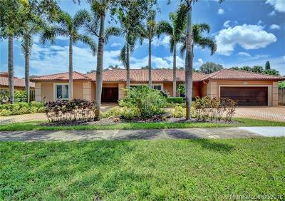 Miami Lakes Single Family Home For Sale: 16105 W Prestwick Pl
